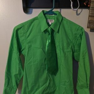 Boys dress shirt & tie- size 7